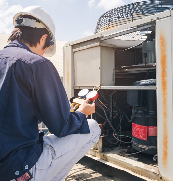AC Repair Contractor Running AC Diagnostics